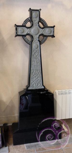 Black Granite Celtic Cross 056