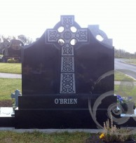 Black Granite w/ Celtic Cross 048